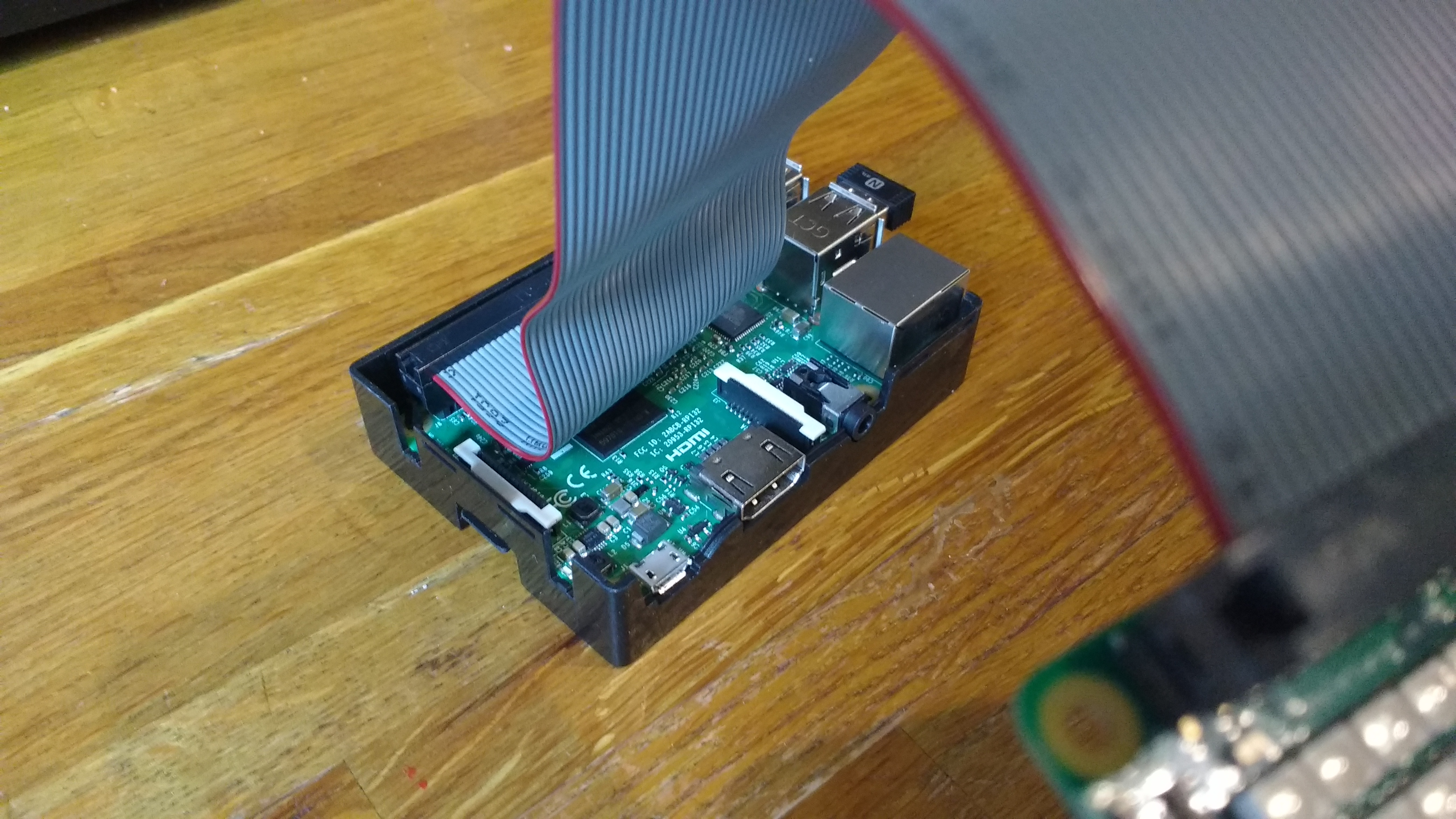 Connecting a Raspberry Pi Sense HAT with a ribbon cable on